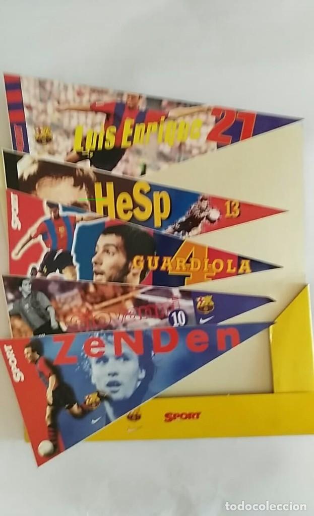 Coleccionismo deportivo: COLECCION UNICA 25 LOS BANDERINES DEL BARÇA ADHESIVOS 98/99 SPORT 30 x 15 cm NUNCA PEGADOS - Foto 7 - 177575765