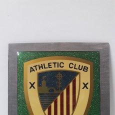 Coleccionismo deportivo: ESCUDO DEL ATHLETIC CLUB BILBAO - PARA COLGAR . ORIGINAL AÑOS 70 . MEDIDA DE FRENTE 20 CM ALTO 24 CM. Lote 177781325