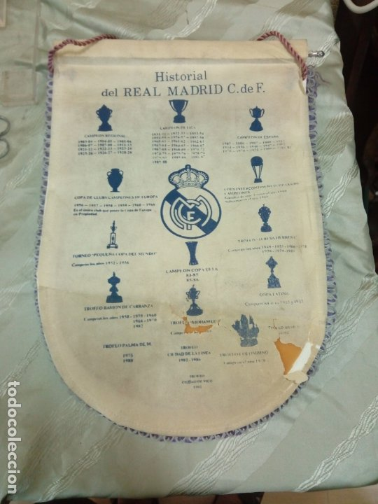 Coleccionismo deportivo: Banderín r Madrid 45 cm - Foto 2 - 179234850