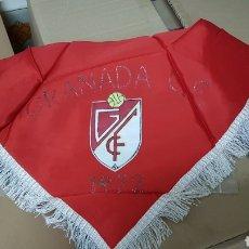 Coleccionismo deportivo: ANTIGUO PAÑUELO GRANADA CLUB DE FUTBOL 1972. Lote 180008240