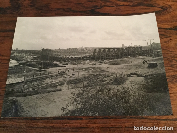 Coleccionismo deportivo: Fotografía Panorámica Y AEREA TAE. Edificación del Estadio Camp Nou del Fútbol Club Barcelona - 1956 - Foto 2 - 181692286
