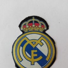Coleccionismo deportivo: LOGO EMBLEMA DE CLUB DE FÚTBOL REAL MADRID. Lote 182767120