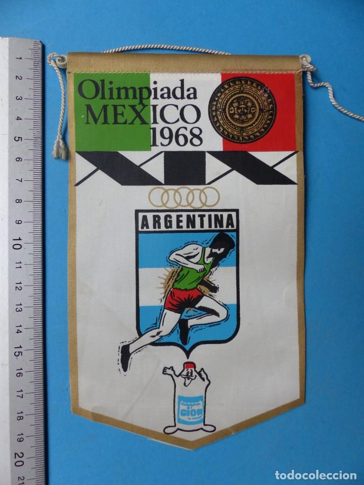Coleccionismo deportivo: 29 BANDERINES DIFERENTS DE FUTBOL Y OLIMPIADAS - AÑOS 1960-1970 - VER FOTOS ADICIONALES - Foto 10 - 184512881