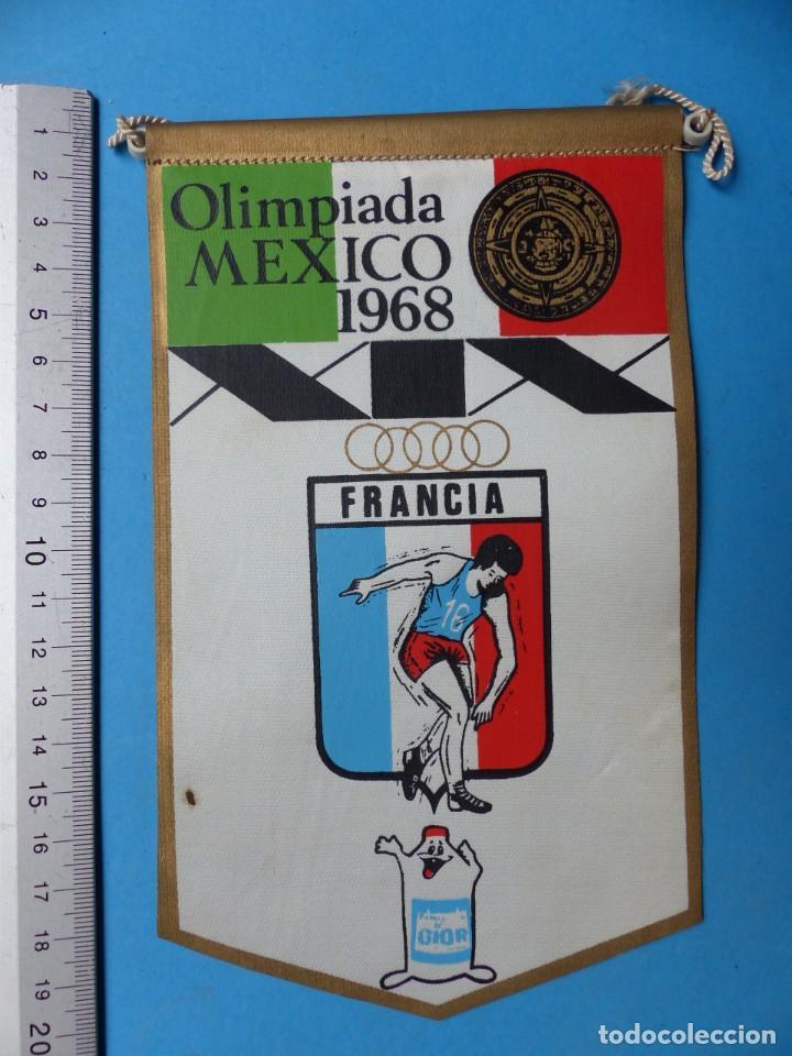 Coleccionismo deportivo: 29 BANDERINES DIFERENTS DE FUTBOL Y OLIMPIADAS - AÑOS 1960-1970 - VER FOTOS ADICIONALES - Foto 20 - 184512881