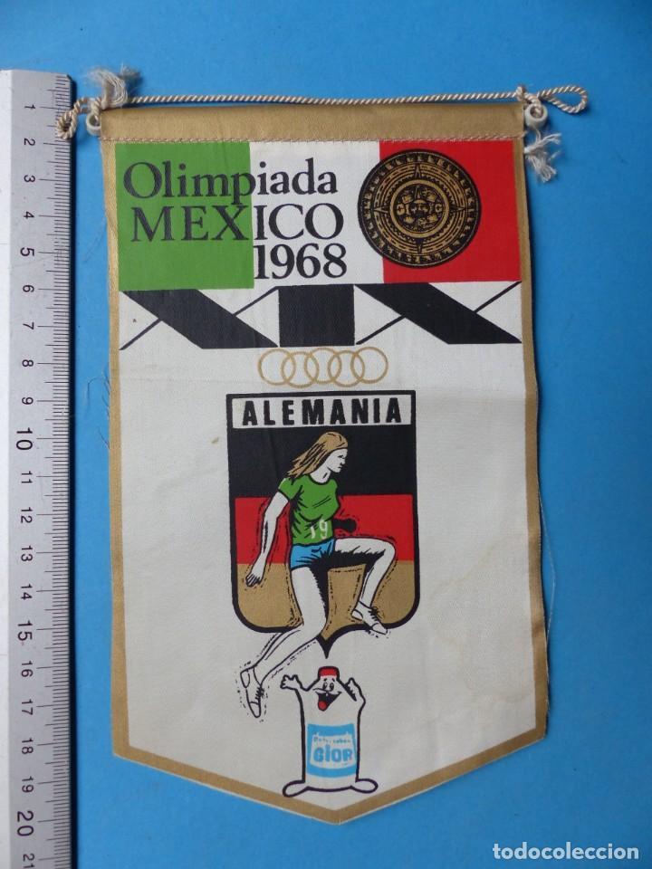 Coleccionismo deportivo: 29 BANDERINES DIFERENTS DE FUTBOL Y OLIMPIADAS - AÑOS 1960-1970 - VER FOTOS ADICIONALES - Foto 23 - 184512881