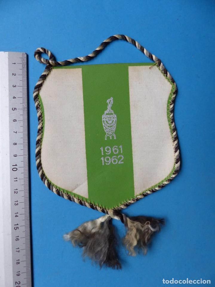 Coleccionismo deportivo: 29 BANDERINES DIFERENTS DE FUTBOL Y OLIMPIADAS - AÑOS 1960-1970 - VER FOTOS ADICIONALES - Foto 34 - 184512881