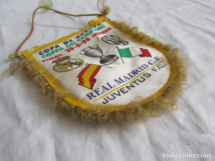 Coleccionismo deportivo: Banderín Real Madrid - Juventus Final Copa de Europa 1998 - Foto 4 - 186059218