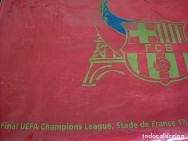 Coleccionismo deportivo: (LLL)BANDERA BARÇA ONDEADA EN PARIS FINAL CHAMPIONS-2006 ARSENAL-F.C.BARCELONA-ORIGINAL- - Foto 2 - 189991376