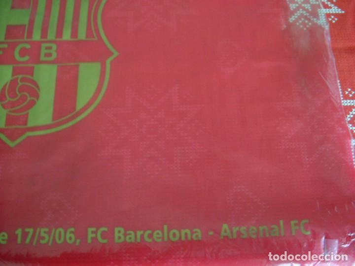 Coleccionismo deportivo: (LLL)BANDERA BARÇA ONDEADA EN PARIS FINAL CHAMPIONS-2006 ARSENAL-F.C.BARCELONA-ORIGINAL- - Foto 3 - 189991376