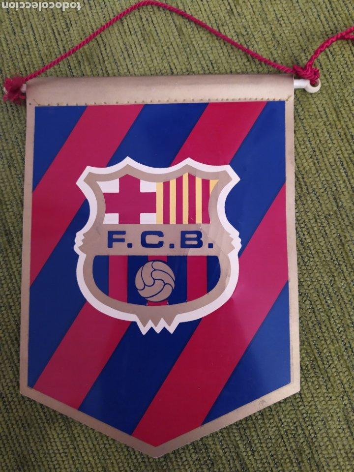 Coleccionismo deportivo: BANDERÍN DEL FC BARCELONA FIRMADO POR JOHAN CRUYFF. ORIGINAL - Foto 2 - 190543096