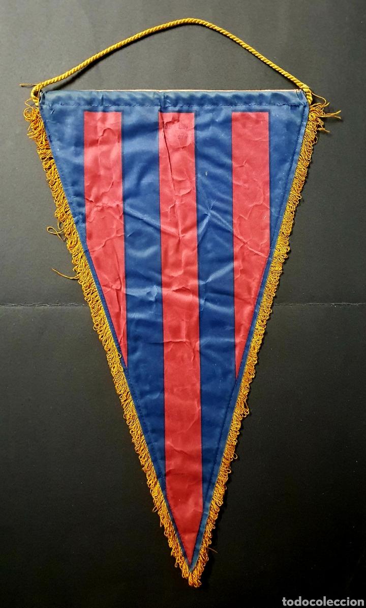 Coleccionismo deportivo: Banderín CLUB DE FUTBOL BARCELONA - Foto 2 - 192678262