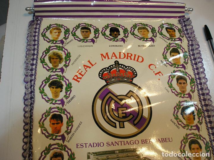 Coleccionismo deportivo: BANDERIN PLASTICO REAL MADRID CAMPEON LIGA 89 90 HISTORIAL DE TROFEOS - Foto 4 - 212088745
