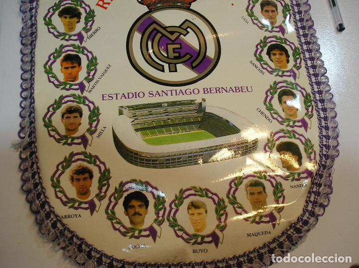 Coleccionismo deportivo: BANDERIN PLASTICO REAL MADRID CAMPEON LIGA 89 90 HISTORIAL DE TROFEOS - Foto 6 - 212088745