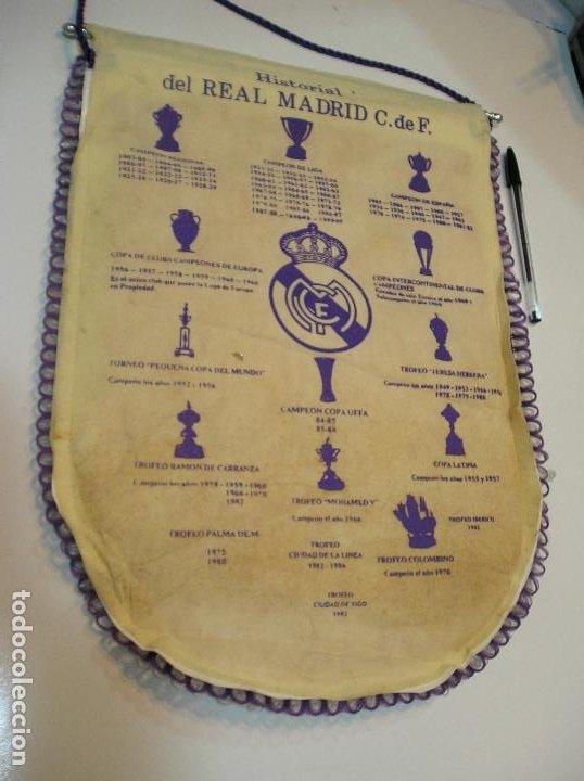 Coleccionismo deportivo: BANDERIN PLASTICO REAL MADRID CAMPEON LIGA 89 90 HISTORIAL DE TROFEOS - Foto 8 - 212088745