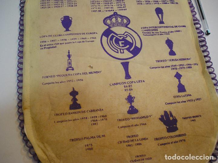 Coleccionismo deportivo: BANDERIN PLASTICO REAL MADRID CAMPEON LIGA 89 90 HISTORIAL DE TROFEOS - Foto 13 - 212088745