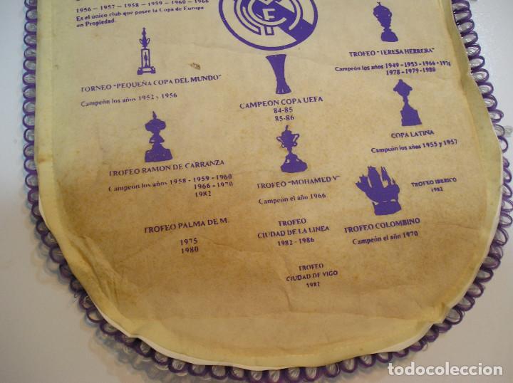 Coleccionismo deportivo: BANDERIN PLASTICO REAL MADRID CAMPEON LIGA 89 90 HISTORIAL DE TROFEOS - Foto 14 - 212088745