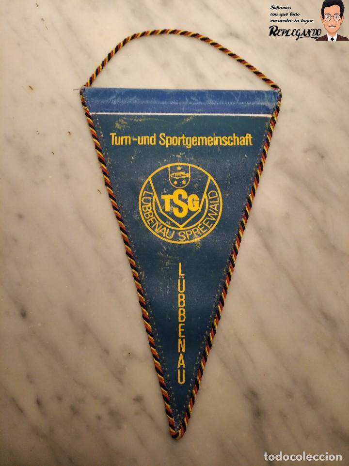 Coleccionismo deportivo: ANTIGUO BANDERÍN - TSG LUBBENAU SPREEWALD - ALEMANIA ORIENTAL - SOCIALISTA- R.D.A. - Foto 3 - 193921715