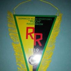 Coleccionismo deportivo: BANDERIN GKS RUCH RADZIONKOW DE POLONIA. Lote 194195992