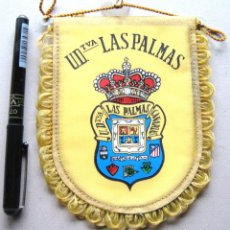 Coleccionismo deportivo: BANDERIN UD LAS PALMAS CANARIAS 12X15 CM DE COCHE PERFECTO ESTADO PENNANT FANION WIMPEL R. Lote 194373811