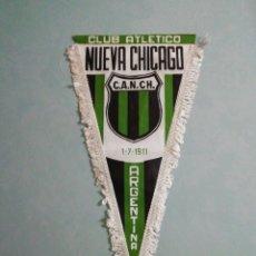 Coleccionismo deportivo: BANDERIN CLUB ATCO. NUEVA CHICAGO DE ARGENTINA. Lote 194612021