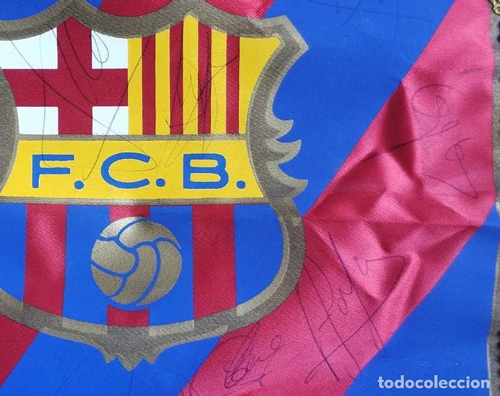Coleccionismo deportivo: Banderin fc barcelona con firmas Guardiola Ronaldo Figo Bakero Baia Nadal Pizzi Couto Ferrer etc - Foto 3 - 194624343
