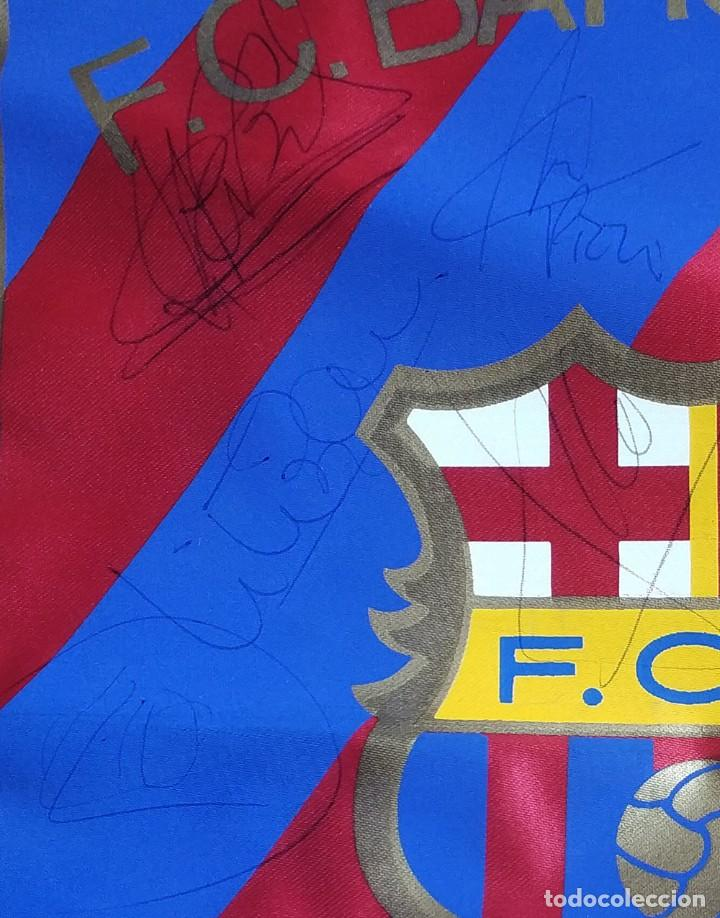 Coleccionismo deportivo: Banderin fc barcelona con firmas Guardiola Ronaldo Figo Bakero Baia Nadal Pizzi Couto Ferrer etc - Foto 5 - 194624343