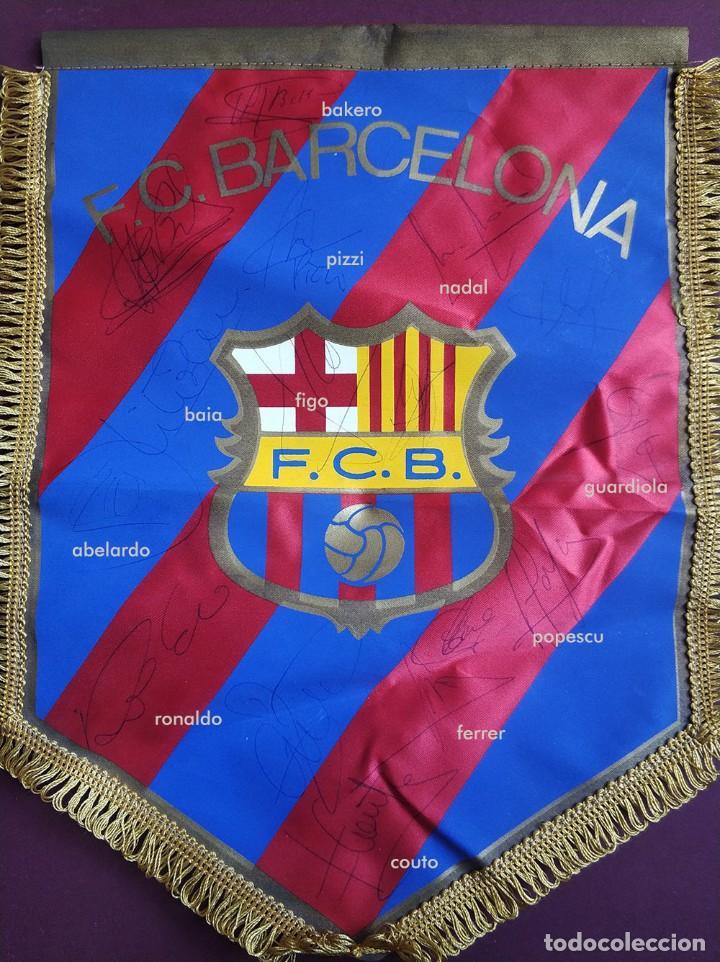 Coleccionismo deportivo: Banderin fc barcelona con firmas Guardiola Ronaldo Figo Bakero Baia Nadal Pizzi Couto Ferrer etc - Foto 6 - 194624343