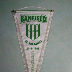 Coleccionismo deportivo: BANDERIN C. A. BANFIELD. Lote 195328408