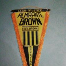Coleccionismo deportivo: BANDERIN C. A. ALMIRANTE BROWN DE ARGENTINA. Lote 195328561