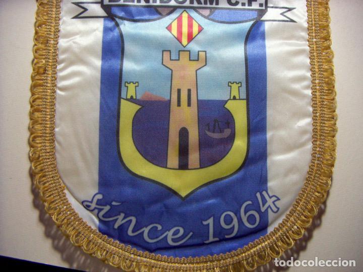 Coleccionismo deportivo: BANDERÍN DEL BENIDORM C F 1964 - Foto 2 - 196677272