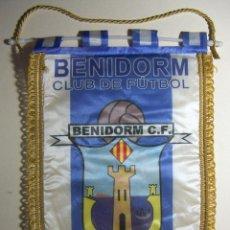 Coleccionismo deportivo: BANDERÍN DEL BENIDORM C F 1964. Lote 196677272