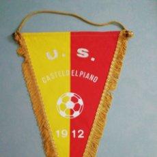 Coleccionismo deportivo: BANDERIN U. S. CASTELDEL PIANO DE ITALIA. Lote 197353352