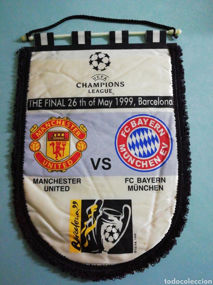 BANDERIN CHAMPIONS LEAGUE - MANCHESTER UNITED VS FC BAYERN MUNCHEN (Coleccionismo Deportivo - Banderas y Banderines de Fútbol)