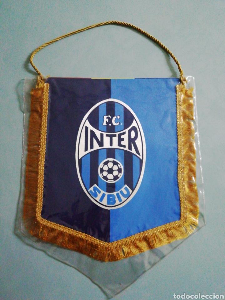 BANDERIN FC INTER SIBIU DE RUMANÍA (Coleccionismo Deportivo - Banderas y Banderines de Fútbol)
