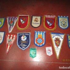 Coleccionismo deportivo: SUPER LOTE DE BANDERINES DE EQUIPOS DE FÚTBOL. Lote 197901102