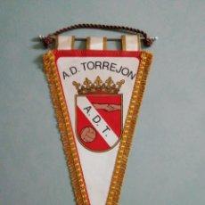 Collezionismo sportivo: BANDERIN A. D. TORREJON - TORREJON DE ARDOZ (MADRID). Lote 204071126
