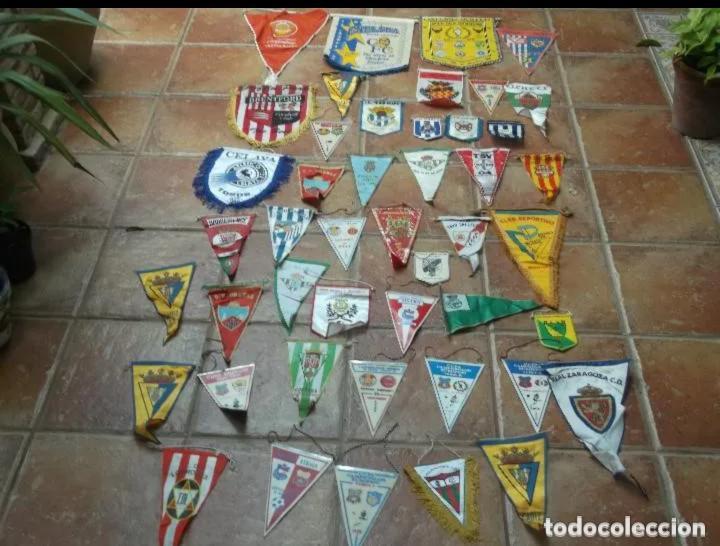 46 BANDERINES ORIGINALES ANTIGUOS DE EQUIPOS DEL MUNDO (Coleccionismo Deportivo - Banderas y Banderines de Fútbol)