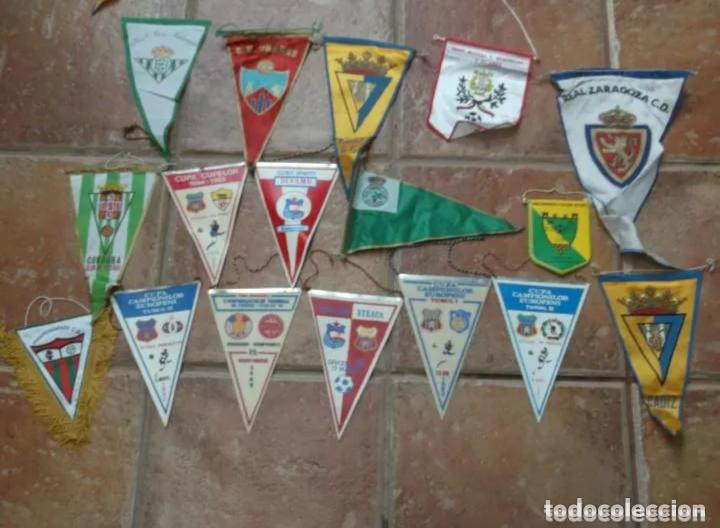 Coleccionismo deportivo: 46 BANDERINES ORIGINALES ANTIGUOS DE EQUIPOS DEL MUNDO - Foto 2 - 205566993