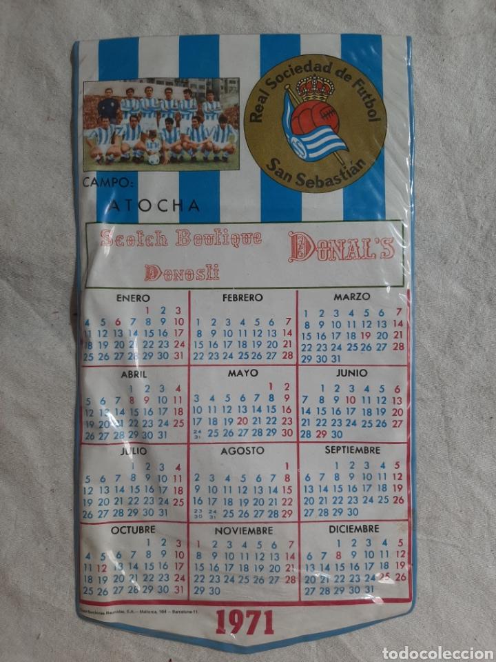 BANDERIN CALENDARIO REAL SOCIEDAD DE FUTBOL SAN SEBASTIAN CAMPO ATOCHA 1971 (Coleccionismo Deportivo - Banderas y Banderines de Fútbol)