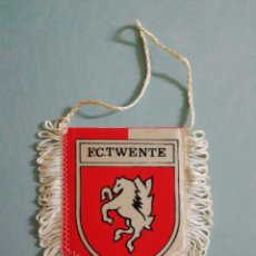 Coleccionismo deportivo: BANDERIN F. C. TWENTE DE HOLANDA. Lote 206265937