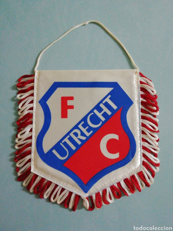 BANDERIN F. C. UTRECH DE HOLANDA (Coleccionismo Deportivo - Banderas y Banderines de Fútbol)
