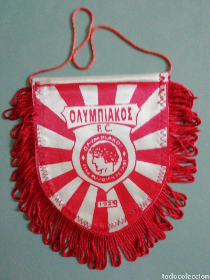 BANDERIN OLYMPIAKOS PIREOS F C. DE GRECIA (Coleccionismo Deportivo - Banderas y Banderines de Fútbol)