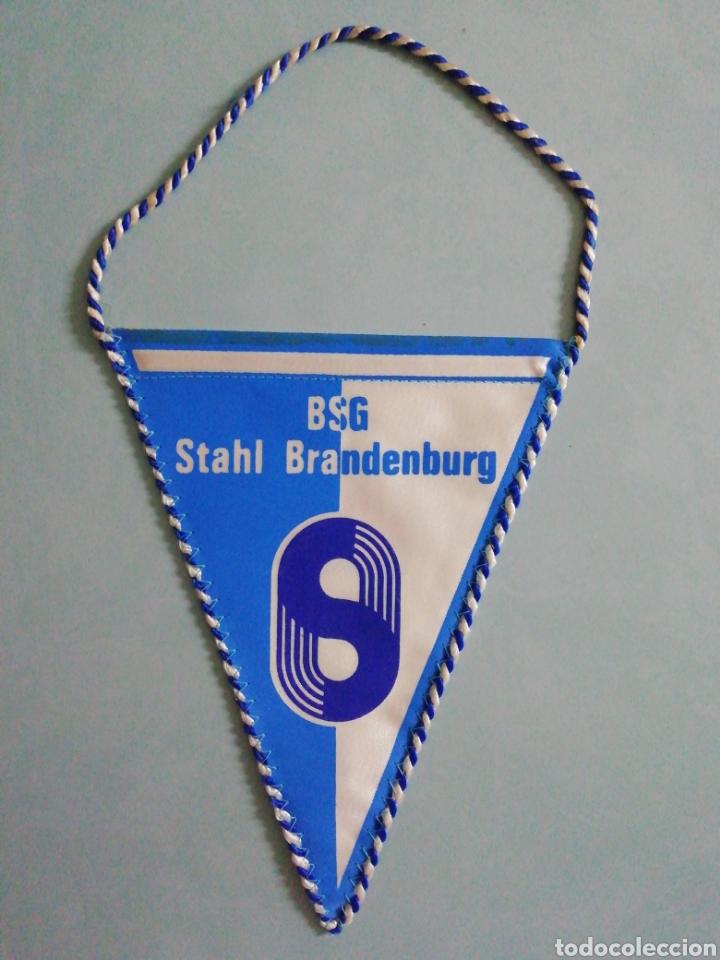 BANDERIN BSG STAHL BRANDENBURG DE ALEMANIA (Coleccionismo Deportivo - Banderas y Banderines de Fútbol)