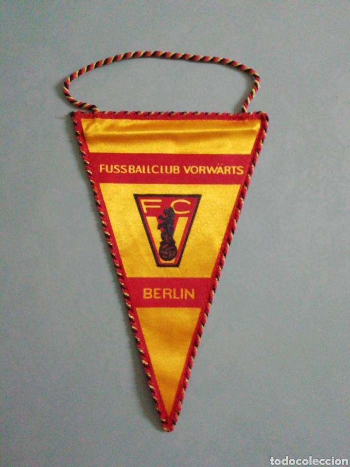 BANDERIN F. C. VORWÄRTS BERLIN DE ALEMANIA (Coleccionismo Deportivo - Banderas y Banderines de Fútbol)