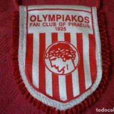 Coleccionismo deportivo: BANDERÍN OLYMPIAKOS. 12 CM.. Lote 218137881