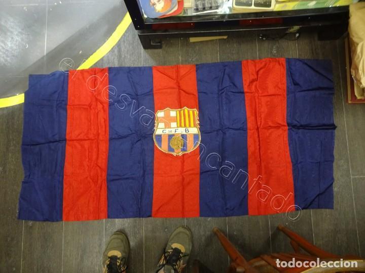 Coleccionismo deportivo: CF Barcelona. Gran bandera con escudo finamente bordado. Original años 1950s. LES CORTS. 160 x 80 - Foto 7 - 208920861
