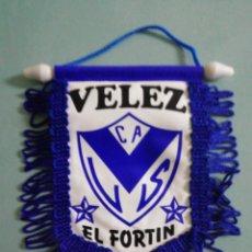 Collezionismo sportivo: BANDERIN C. A. VELEZ SARSFIELD DE ARGENTINA. Lote 209750941