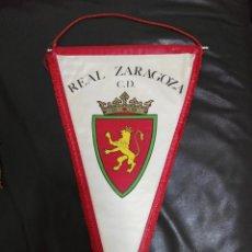 Coleccionismo deportivo: BANDERÍN PRINCIPIOS AÑOS 70 REAL ZARAGOZA C. D. TAMAÑO GRANDE FÚTBOL. Lote 209958130