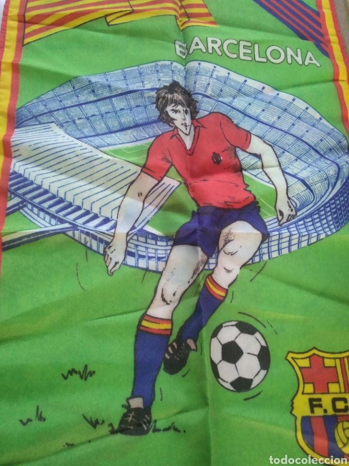 Coleccionismo deportivo: Bandera , banderín FC Barcelona con el mundial 82 - Foto 3 - 210071808