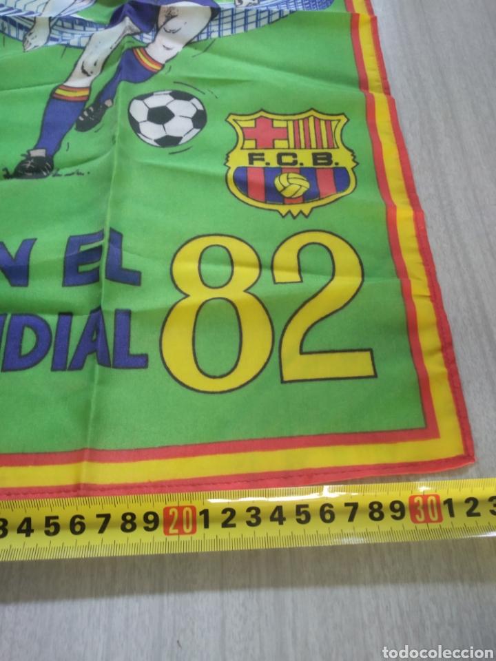 Coleccionismo deportivo: Bandera , banderín FC Barcelona con el mundial 82 - Foto 4 - 210071808